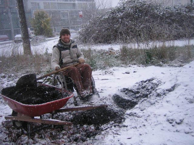 justin-digging-snow-640x480